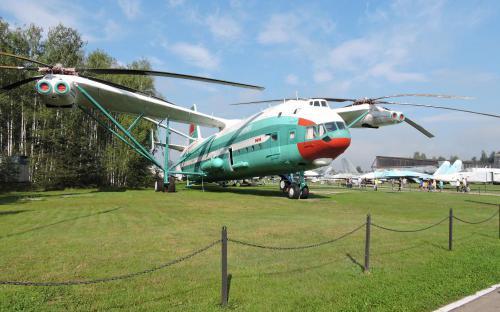 Вертолет В-12 (Ми-12) в Музее Военно-воздушных сил в Монино