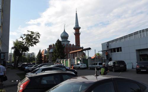 Парковка у станции канатной дороги Нижегородская