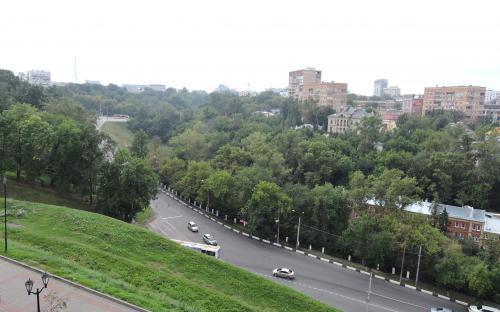 Вид на город с крепостной стены Нижегородского Кремля