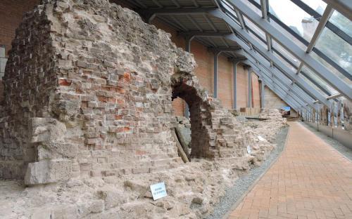Фрагмент сохранившейся стены Нижегородского Кремля