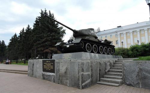 Танк Т-34 в Нижегородском Кремле