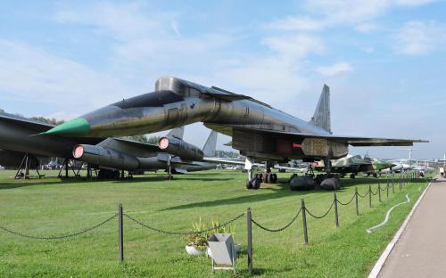 Ударно-разведовательный самолет Т-4 (Су-100) в Музее Военно-воздушных сил в Монино