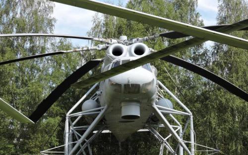 Вертолет-кран Ми-10 в Музее Военно-воздушных сил в Монино