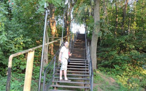 Лестница к Свято-Троицкому Никольскому мужскому монастырю  в г. Гороховец