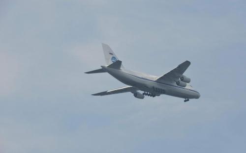 Самолет Ан-124 «Руслан» в небе над Музеем Военно-воздушных сил в Монино