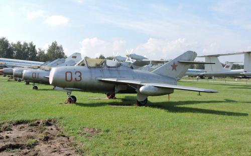 Самолет Миг-15 в Музее Военно-воздушных сил в Монино