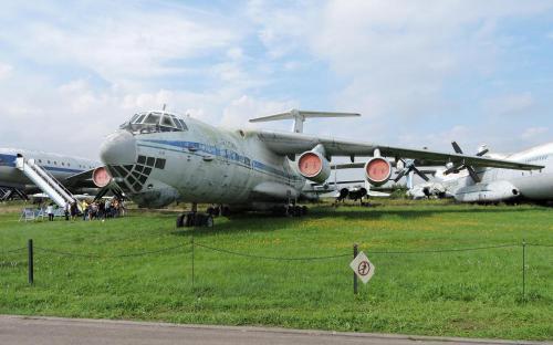 Военно-транспортный самолет Ил-76МД в Музее Военно-воздушных сил в Монино