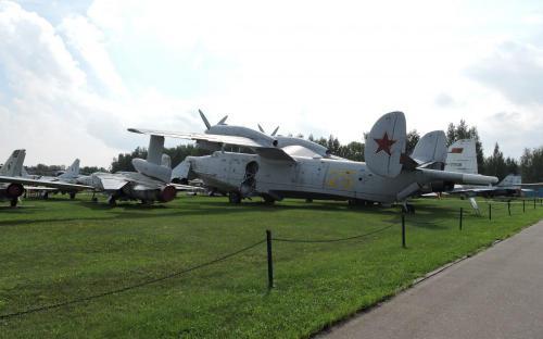 Противолодочный самолет-амфибия Бе-12 в Музее Военно-воздушных сил в Монино
