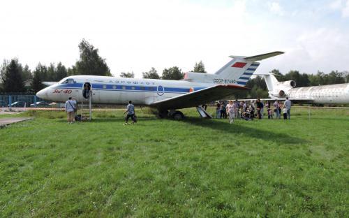 Пассажирский самолет Як-40 в Музее Военно-воздушных сил в Монино