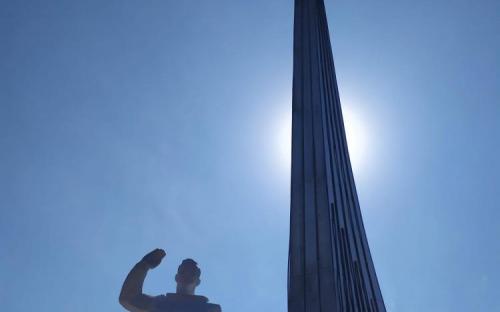 Пямятник Ю.Гагарину на месте приземления под г. Саратов